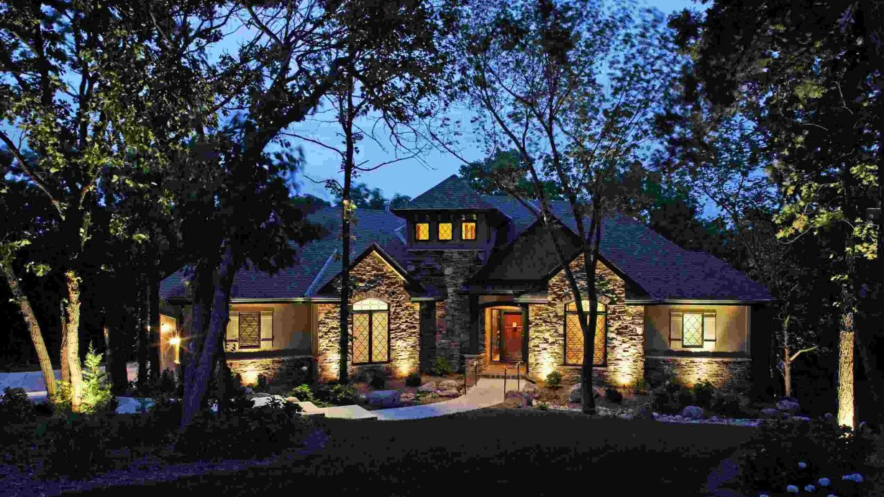 https://irrigationrepairraleigh.com/wp-content/uploads/2020/05/Residential-Outdoor-Landscape-Lighting-Omaha-NE-McKay-Landscape-Lighting-2006-01-scaled-1-1280x720.jpg